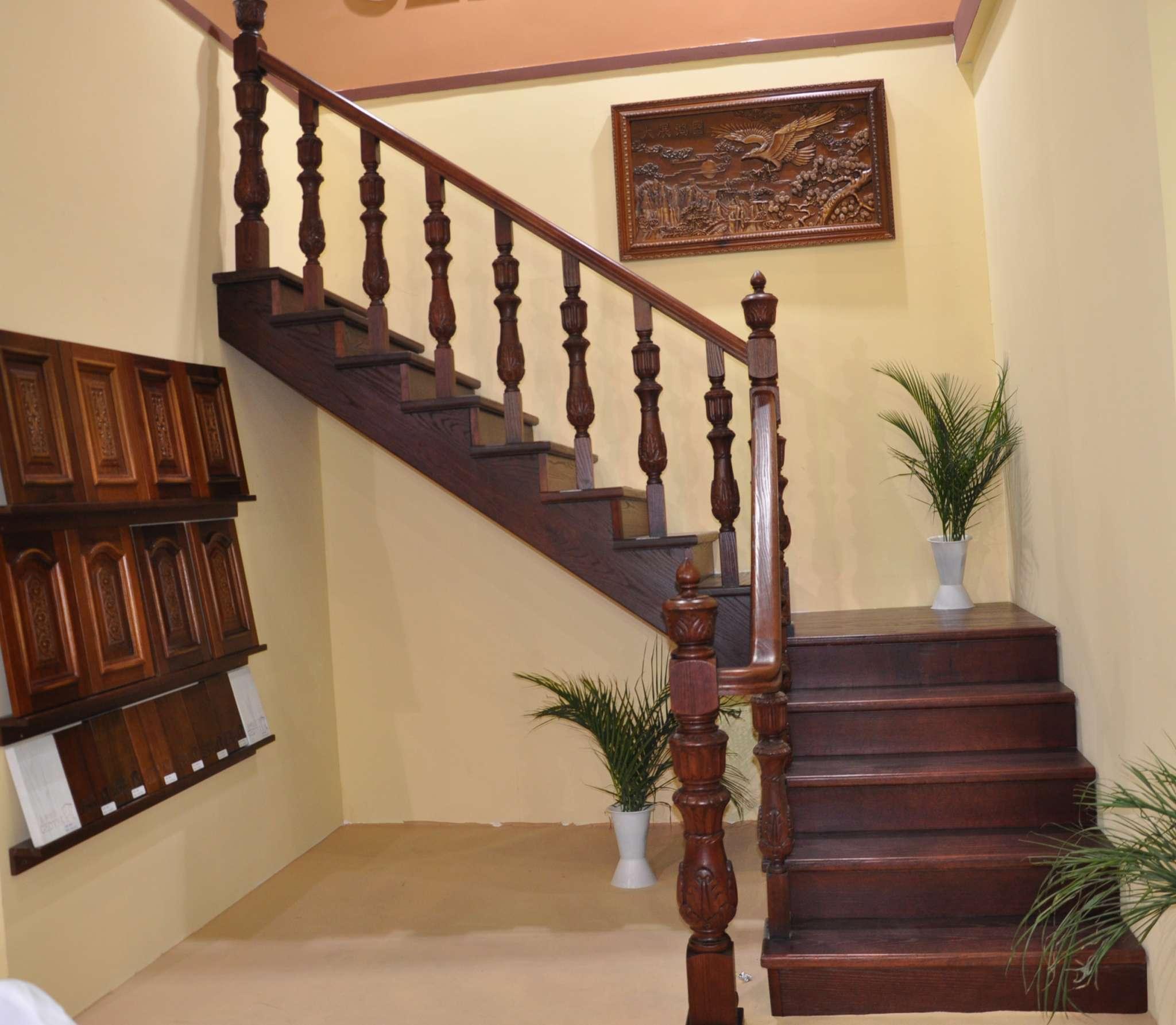 重庆实木楼梯厂家,重庆楼梯